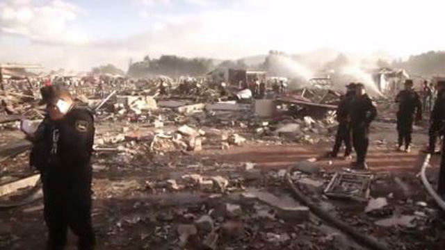 Mexico fireworks blast aftermath 2_1482285424882-159532.JPG86597279