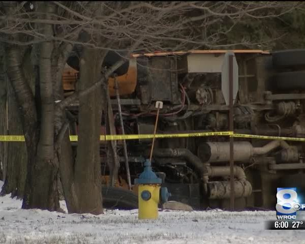Seven students injured after school bus crash in Macedon_51784804