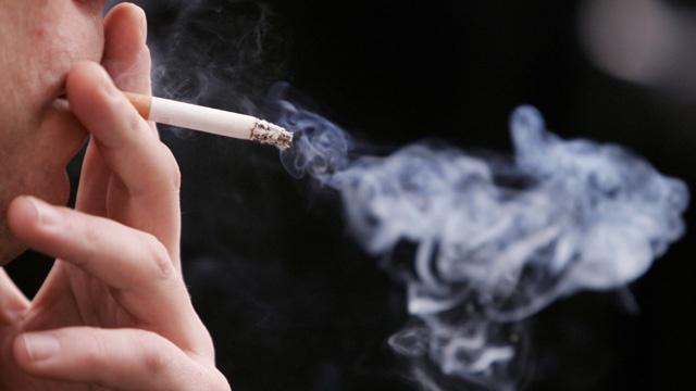 Man smoking cigarette_3640616447700623-159532