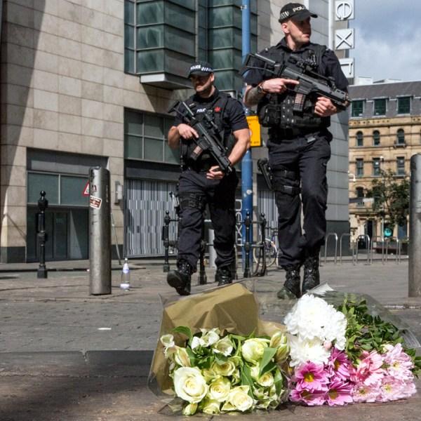 Manchester Memorials Police Flowers-159532.jpg50477108