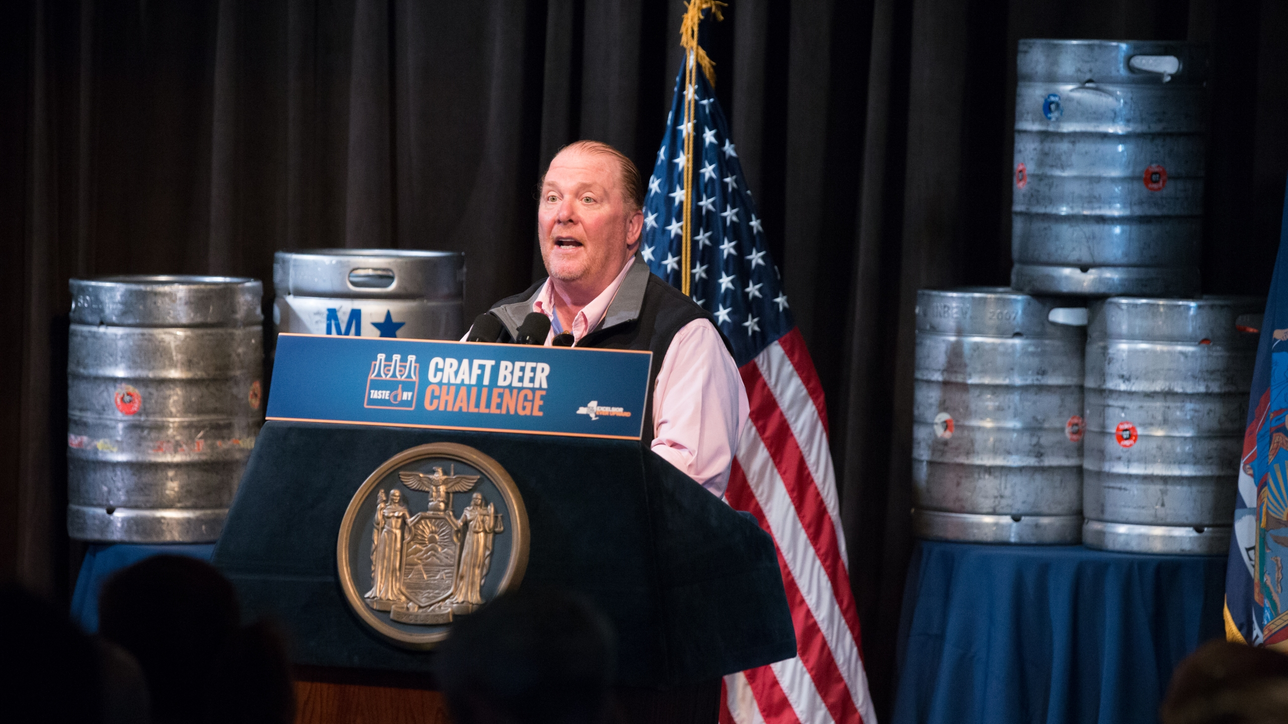 governor-cuomo-hosts-the-taste-ny-inaugural-craft-beer-challenge_33882399764_o_1495076007291.jpg