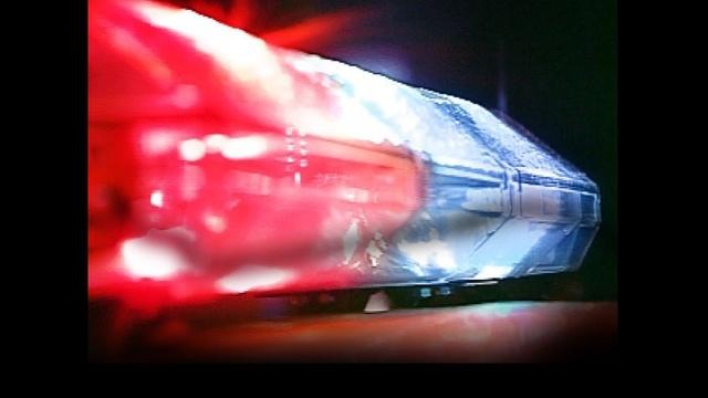 police-lights_1440768760996_4613403_ver1.0_640_360_1499524634437.jpg