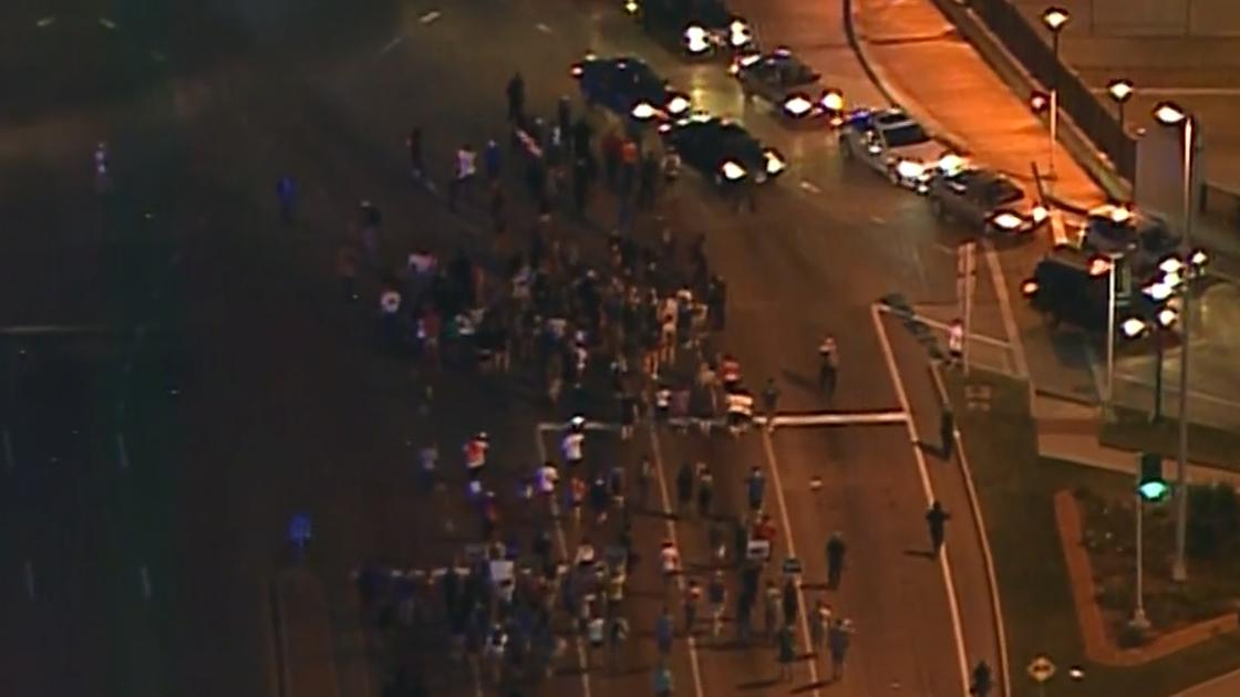 St Louis protest interstate_1505526995105-159532.jpg63426417