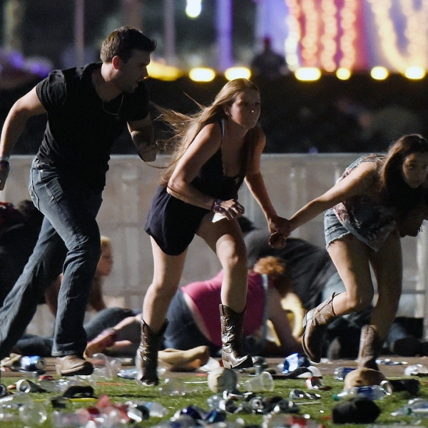 Las Vegas Mass Shooting running for cover-159532.jpg03884020