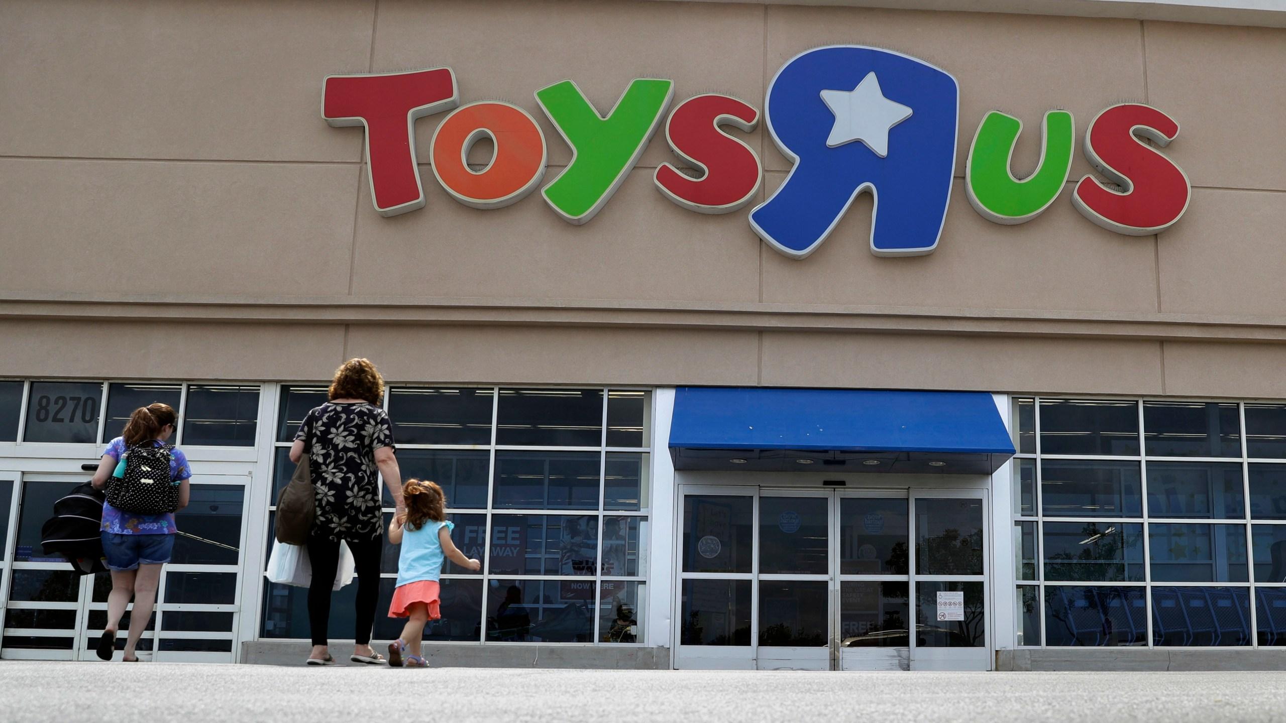 Toys_R_Us_Store_Closings_38125-159532.jpg06882530