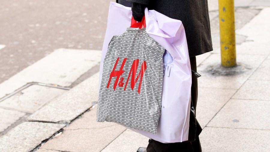 H&M plastic shopping bag Italy22378152-159532