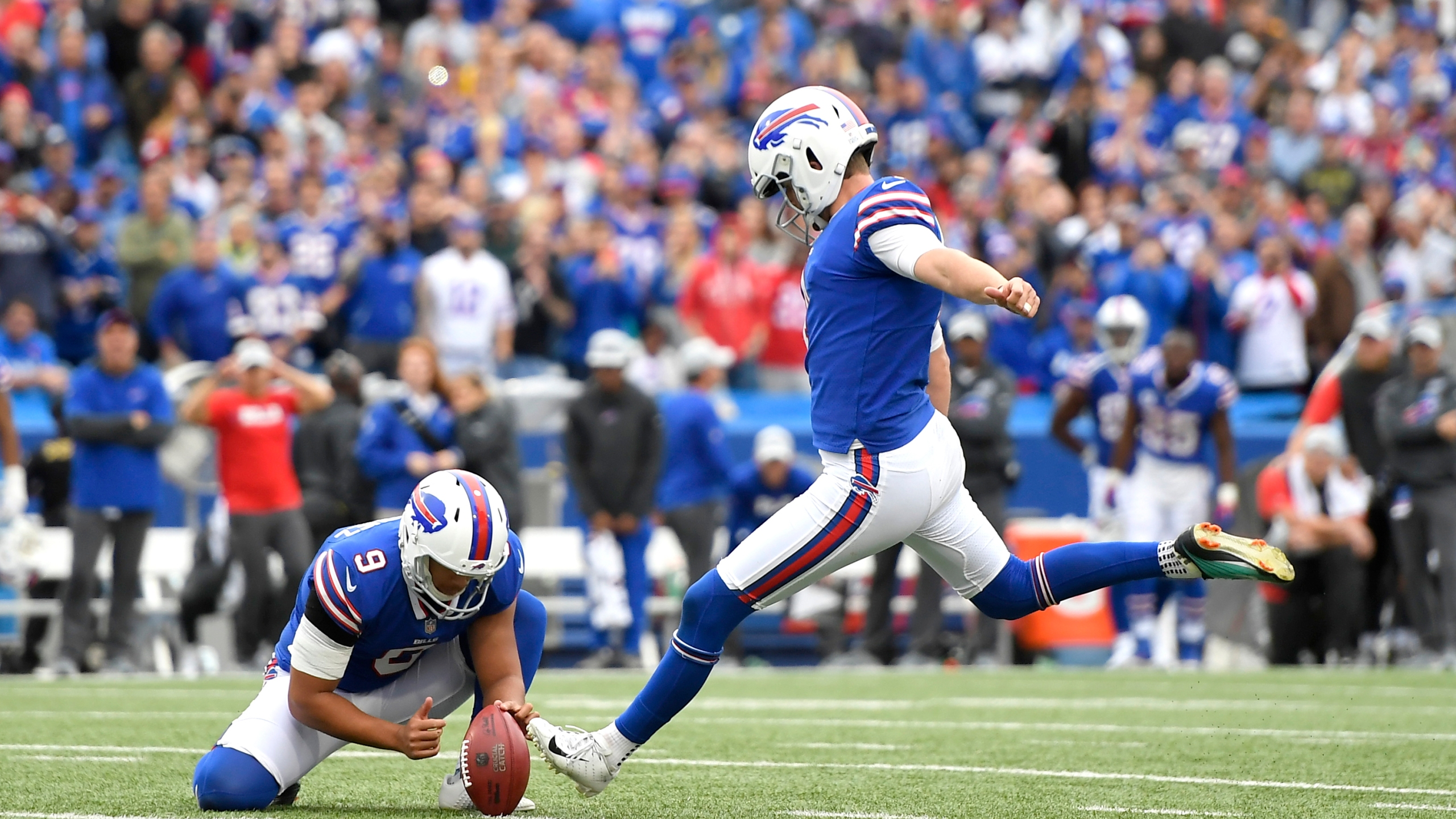 Titans Bills Football_1539052933542