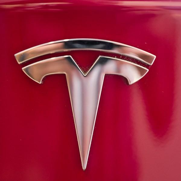 Tesla_Stock_Wild_Ride_34373-159532.jpg70131581