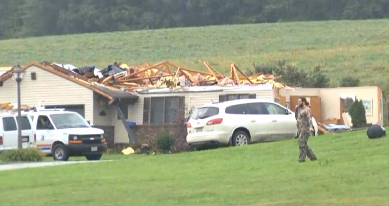 erie pa tornado damage_1538513746300.jpg.jpg