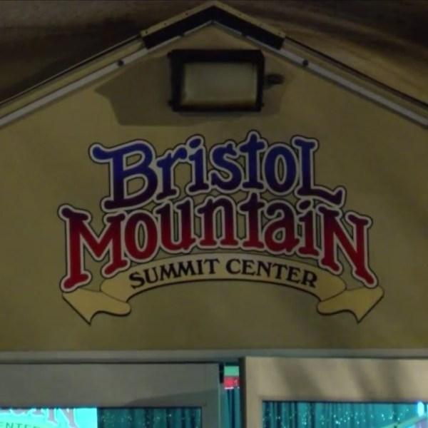 Bristol_Mountain_taking_tons_of_phone_ca_0_20181110040739