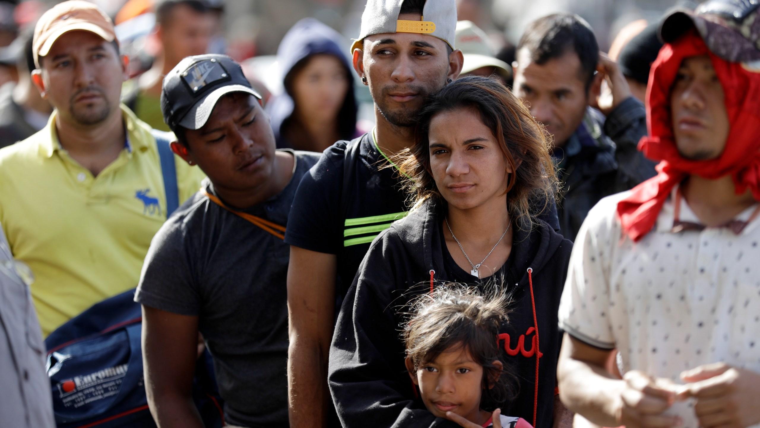 Central_America_Migrant_Caravan_00493-159532.jpg56760889