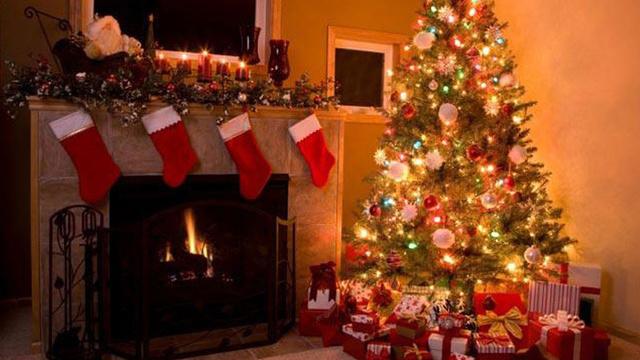 christmas-stockings-fireplace-holiday-christmas-tree_1513899484101_325387_ver1-0_30462887_ver1-0_640_360_38912622_ver1.0_640_360_1540332363795.jpg