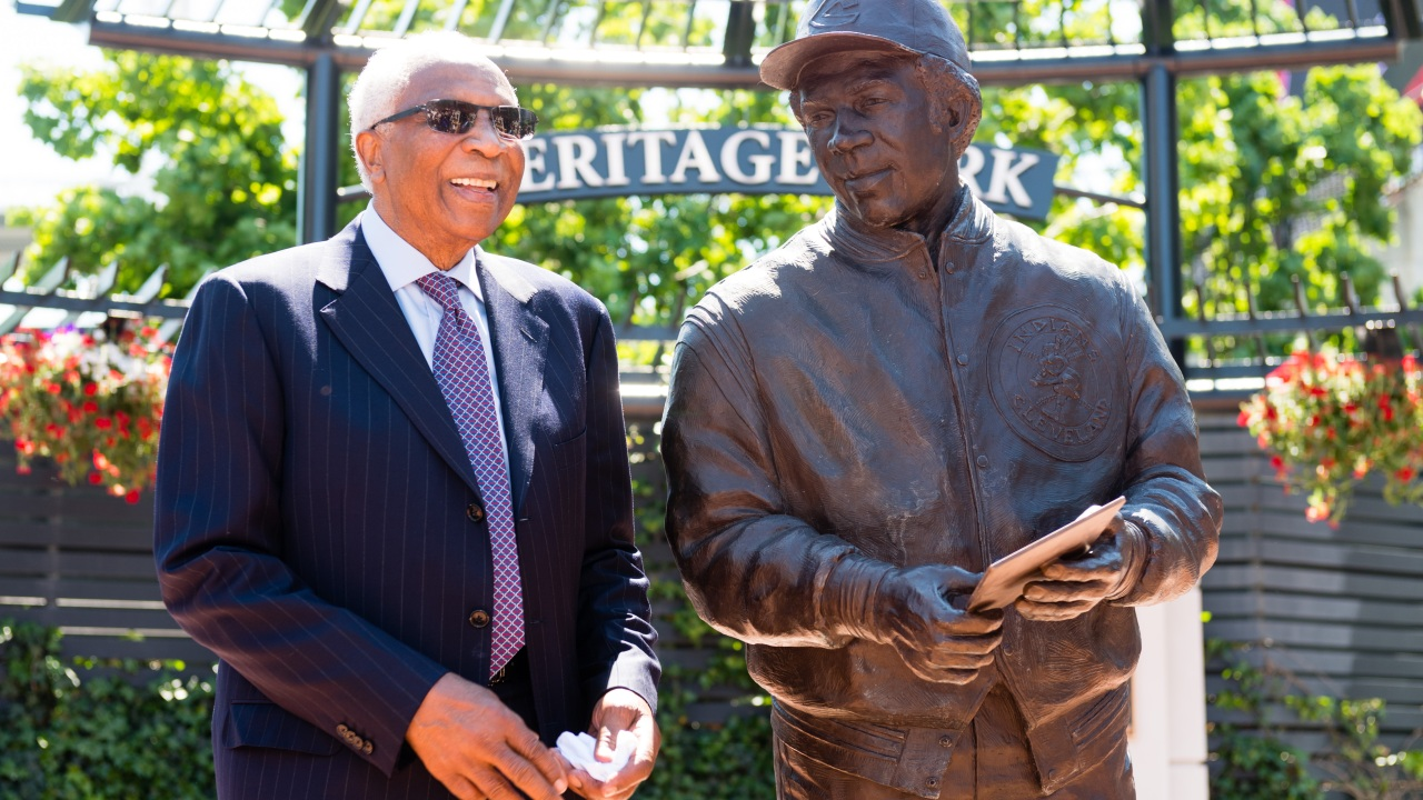 meet cf25f 3f99d Report  Baseball legend, former Red Wings manager Frank Robinson dies at 83