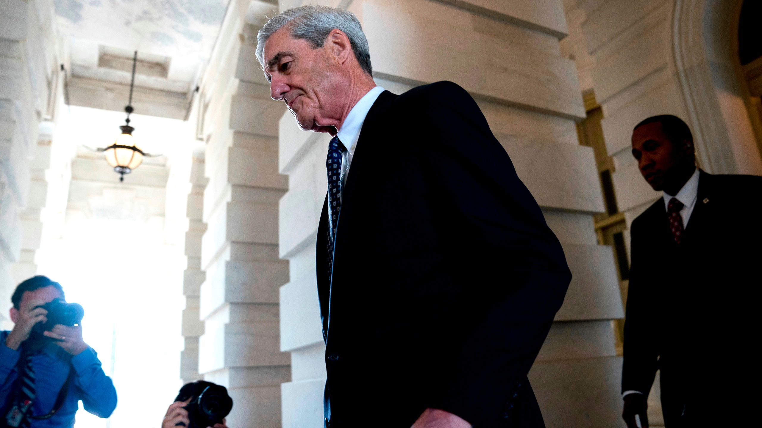 Trump_Russia_Probe_Mueller_80243-159532.jpg19087282