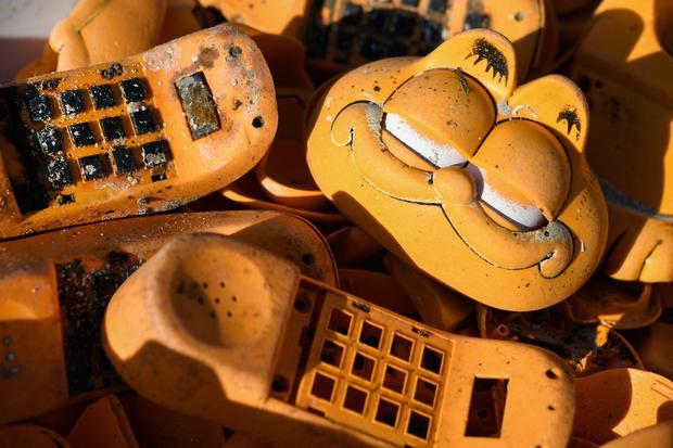 Garfield Phones CBS IMG_1554059476587.jpg.jpg