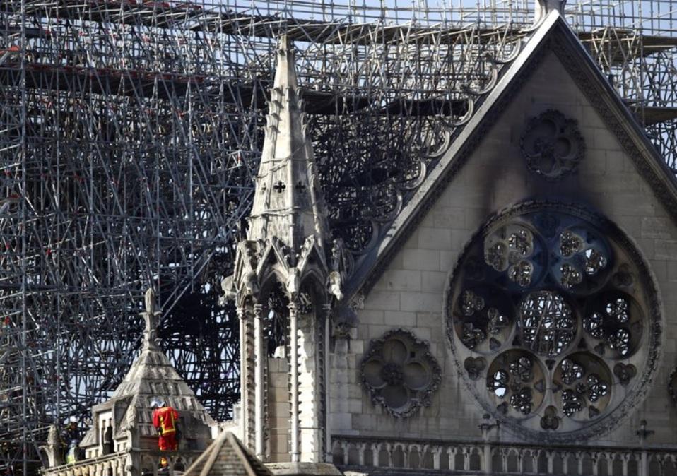 Notre Dame Cathedral in France_1555587182631.jpg.jpg