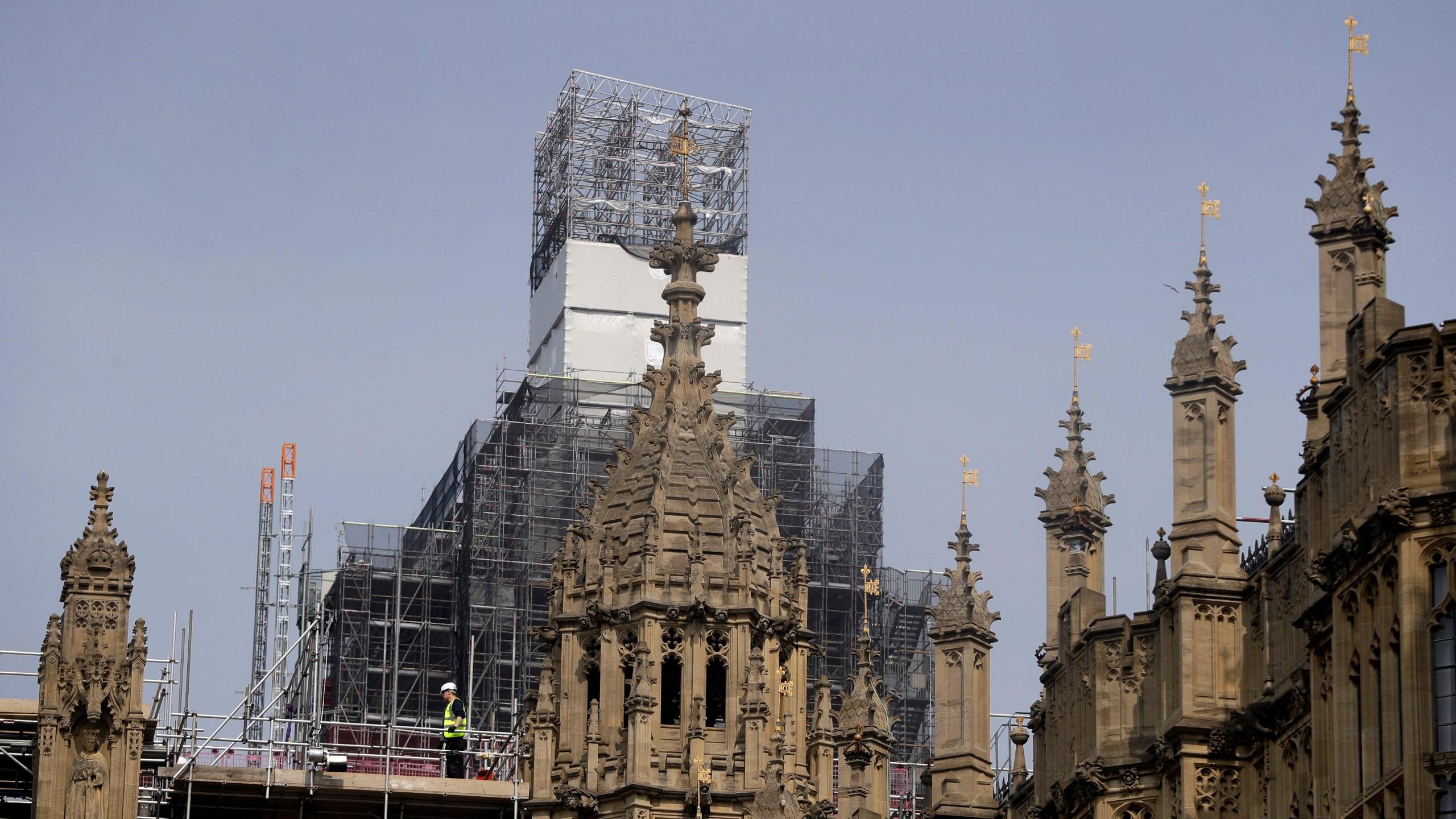 Notre_Dame_Warning_for_Britain_72239-159532.jpg11764673