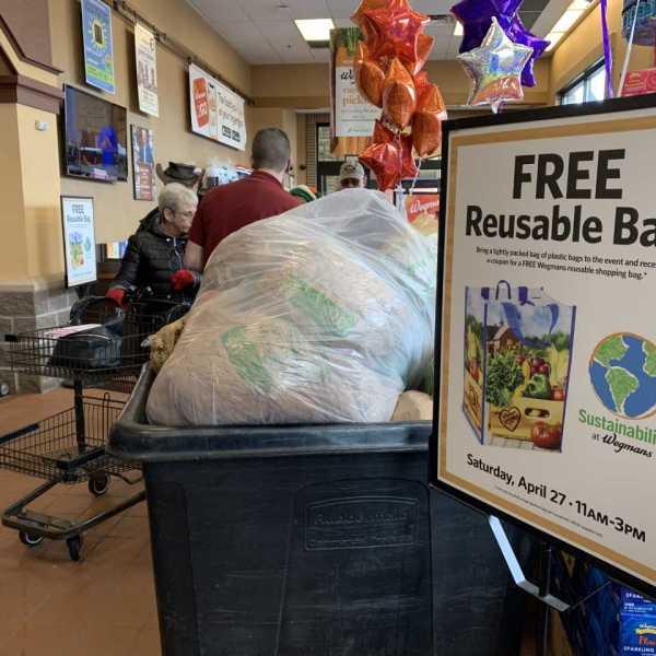 Wegmans collecting plastic bags_1556378615240.jpg.jpg