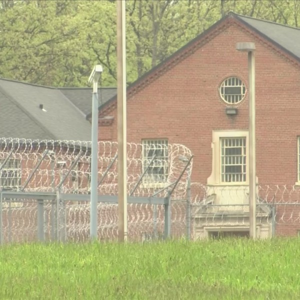 Livingston Co. leaders rally against closure of prison
