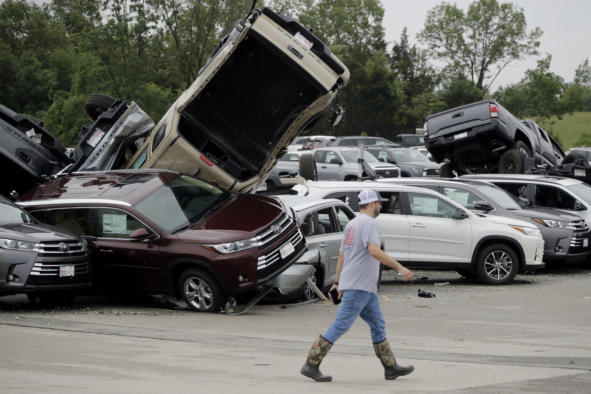 Missouri tornadoes in Jefferson City_1558695023034.jpg.jpg