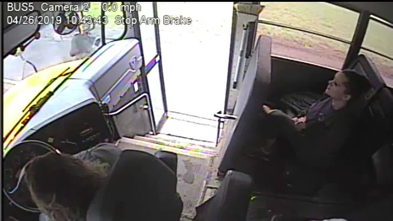 Norwich_bus_driver_pulls_student_back_fr_7_20190508154116-118809342