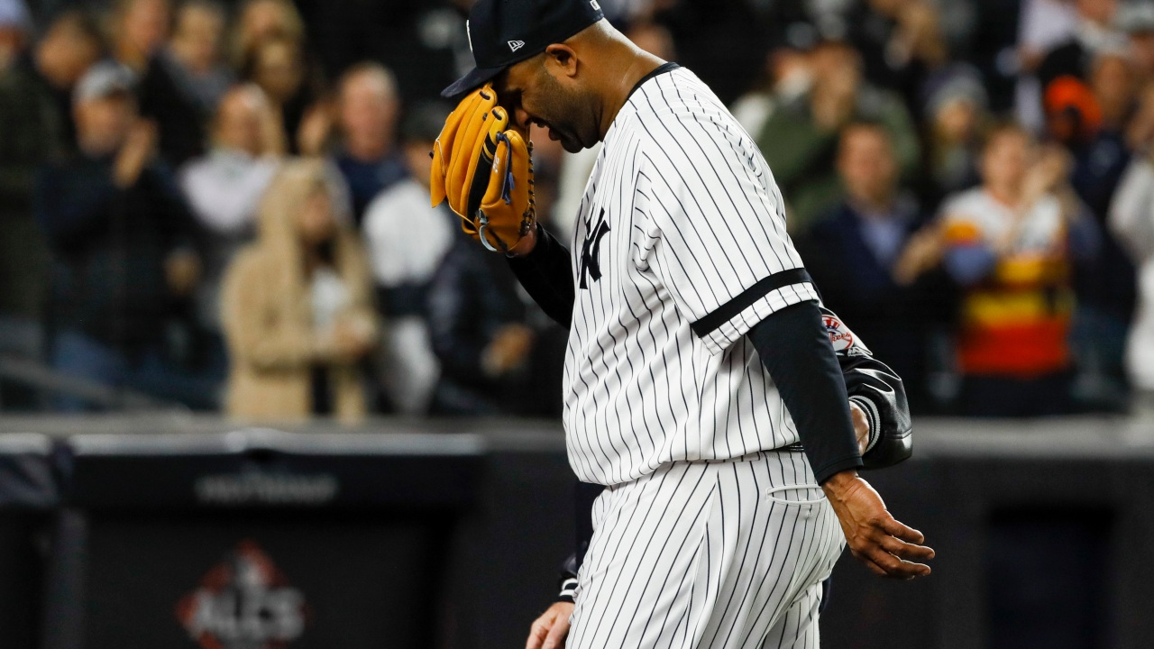 Sabathia dislocated shoulder, big league career over