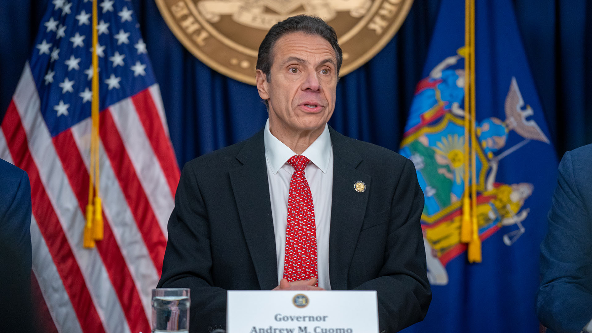 Gov Cuomo Signs Executive Order To Decrease In Office Workforce By 75 Rochesterfirst