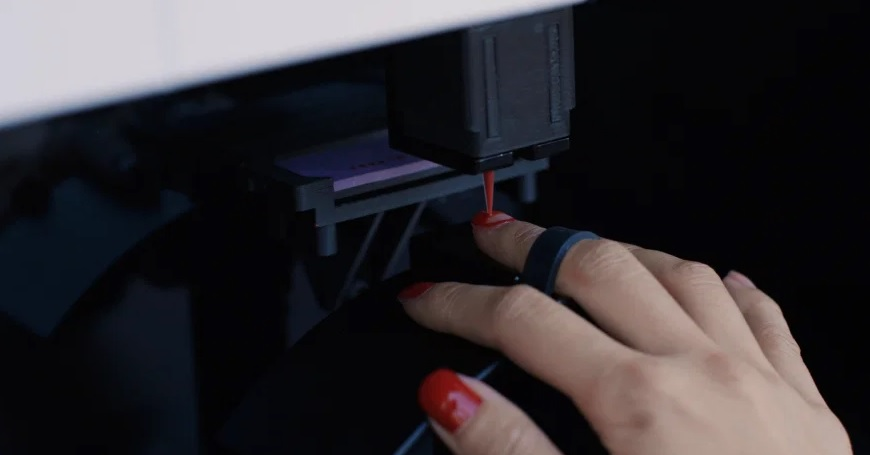 A manicure robot is now painting nails in ten minutes for $8