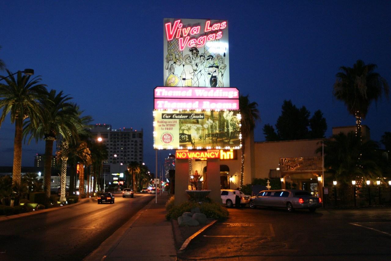 Couples flock to Las Vegas during pandemic wedding boom